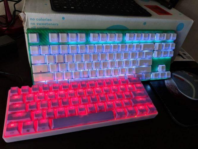 построить нестандартную механическую клавиатуру - клавишные колпачки